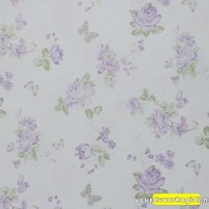 Lila Çiçek Kelebek Desenli Duvar Kağıdı